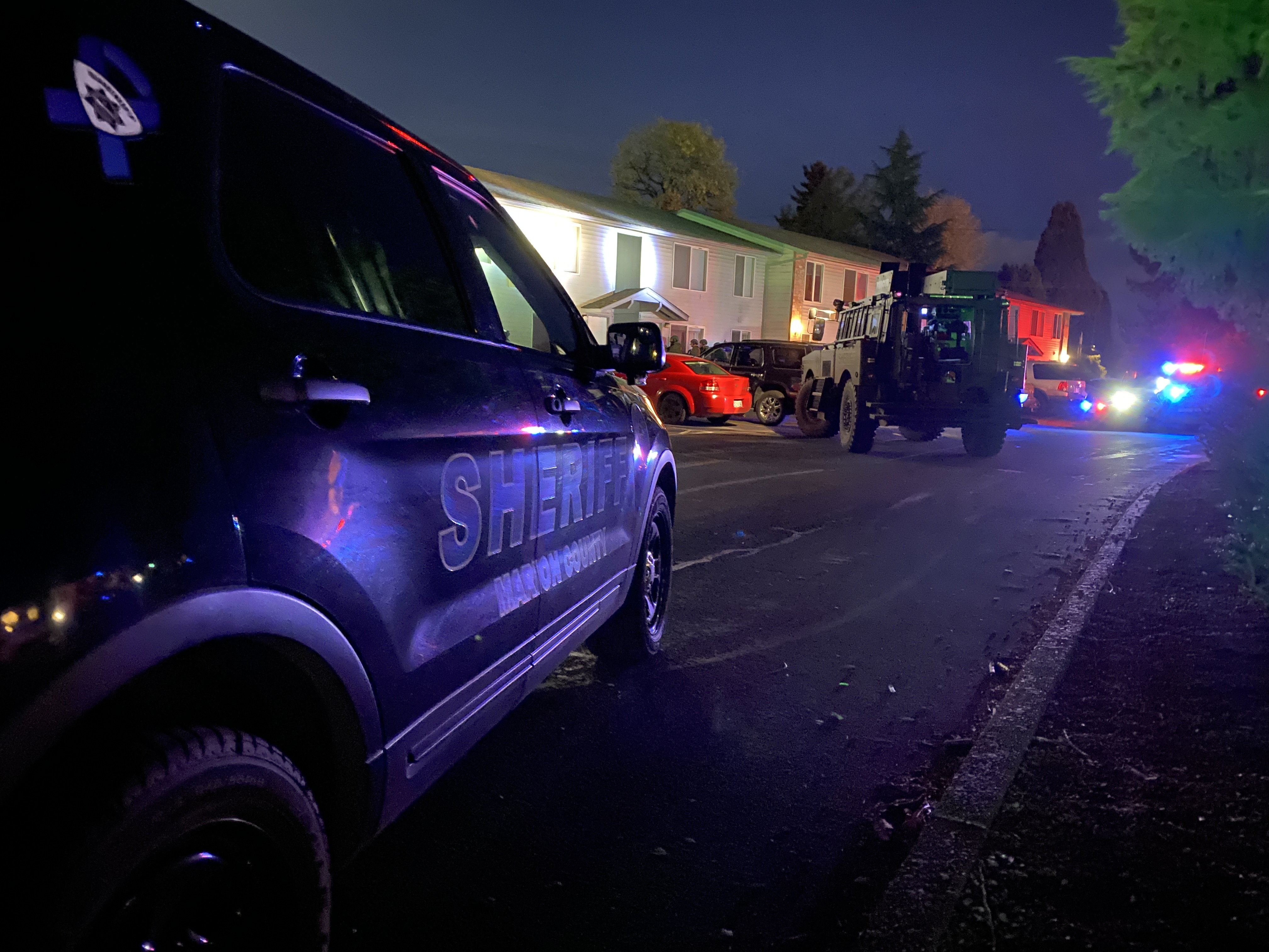 SWAT CALLED TO NE SALEM APARTMENT COMPLEX (PHOTO)
